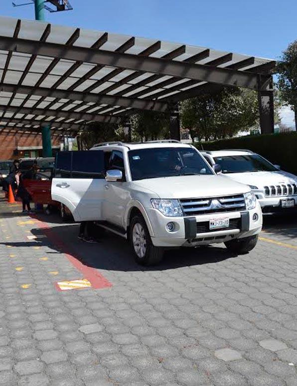 Colegio Buena Tierra, Drop-off and Pick-up